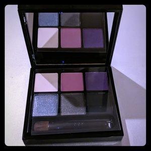 Mac 6 eyeshadow Violet
